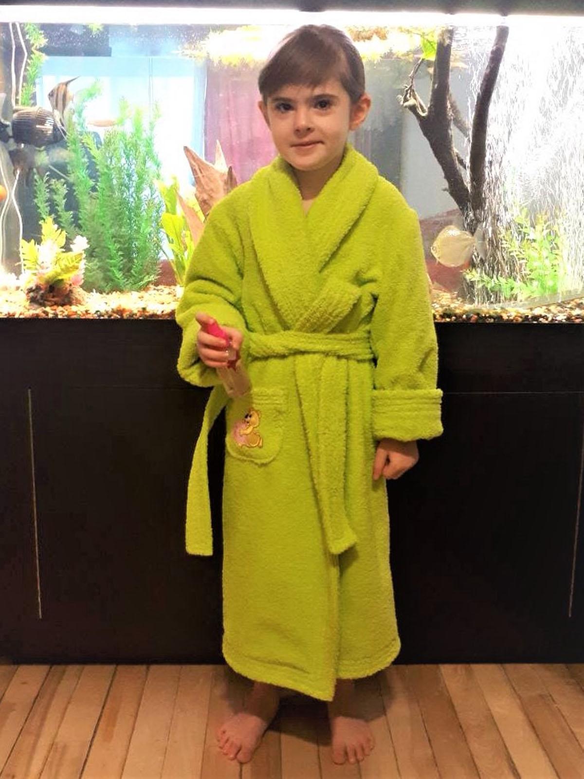 une robe de chambre verte